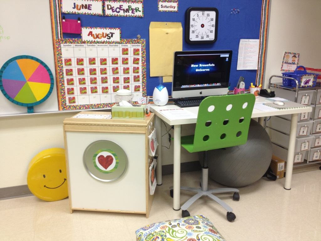 Downsizing to a small desk that takes up less space opened up the room for student use.